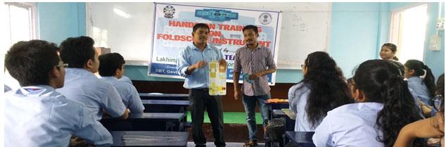 Fig.3b: Workshop on handling of foldscope in Genius Academy, North Lakhimpur